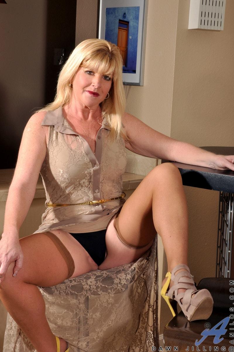 Anilos 'Busty Blonde' starring Dawn Jilling (Photo 2)
