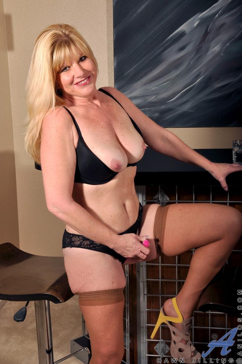 Anilos 'Busty Blonde' starring Dawn Jilling (Photo 9)
