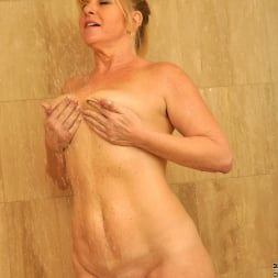 Dawn Jilling in 'Anilos' Wet Pussy (Thumbnail 6)