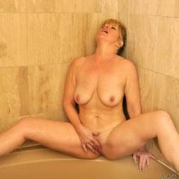 Dawn Jilling in 'Anilos' Wet Pussy (Thumbnail 15)