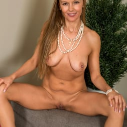 Devina in 'Anilos' Warm Me Up (Thumbnail 16)