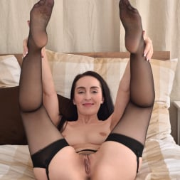 Di Devi in 'Anilos' Her Favorite Toy (Thumbnail 12)