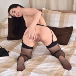Di Devi in 'Anilos' Her Favorite Toy (Thumbnail 13)