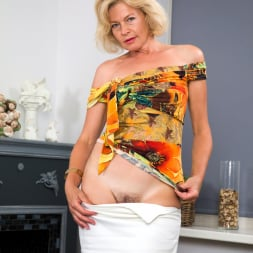 Diana Gold in 'Anilos' Mature Beauty (Thumbnail 3)