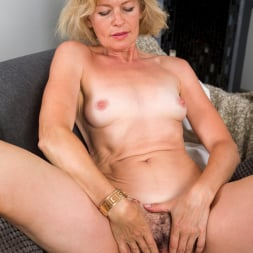 Diana Gold in 'Anilos' Mature Beauty (Thumbnail 11)