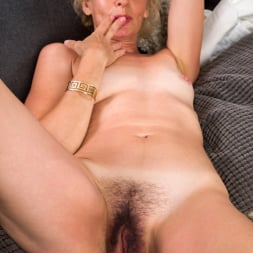 Diana Gold in 'Anilos' Mature Beauty (Thumbnail 16)