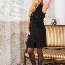 Elegant Eve in 'Anilos' Black Lingerie (Thumbnail 2)