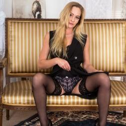 Elegant Eve in 'Anilos' Black Lingerie (Thumbnail 4)