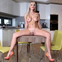 Elen Million in 'Anilos' Sexy Elen (Thumbnail 7)