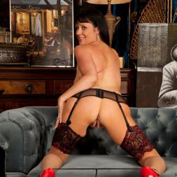 Elise Summers in 'Anilos' Lady In Red (Thumbnail 9)