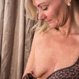 Ellen B in 'Anilos' Mature Babe (Thumbnail 8)
