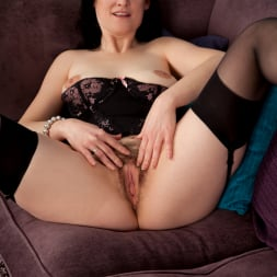Emily Marshall in 'Anilos' Hairy Snatch (Thumbnail 12)