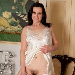 Emily Marshall in 'Anilos' Soapy Tits (Thumbnail 2)