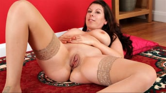 Emily Winters in 'Big Naturals'