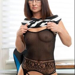 Eva Black in 'Anilos' At The Office (Thumbnail 3)