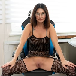 Eva Black in 'Anilos' At The Office (Thumbnail 5)