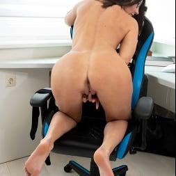 Eva Black in 'Anilos' At The Office (Thumbnail 13)