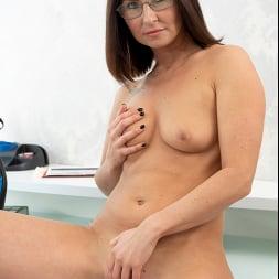 Eva Black in 'Anilos' At The Office (Thumbnail 14)