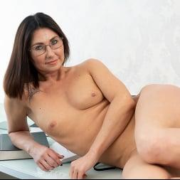 Eva Black in 'Anilos' At The Office (Thumbnail 16)