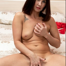 Eva Black in 'Anilos' Ravishing (Thumbnail 13)