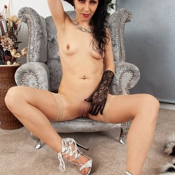 Flirty Naughty in 'Anilos' Please Me (Thumbnail 6)