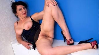Helen He in 'Pinup Girl'