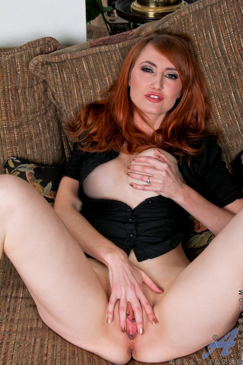 Anilos 'Couch Play' starring Holly Jane (Photo 13)