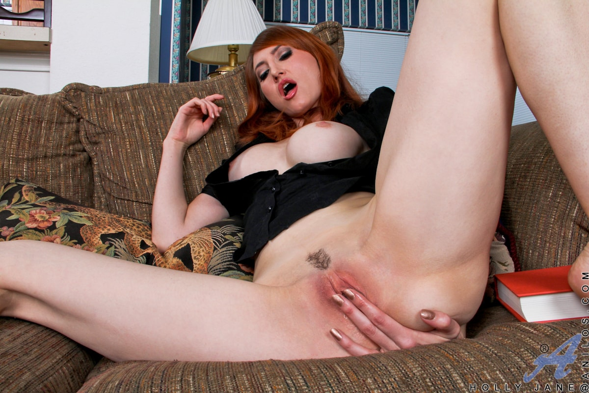 Anilos 'Couch Play' starring Holly Jane (Photo 15)