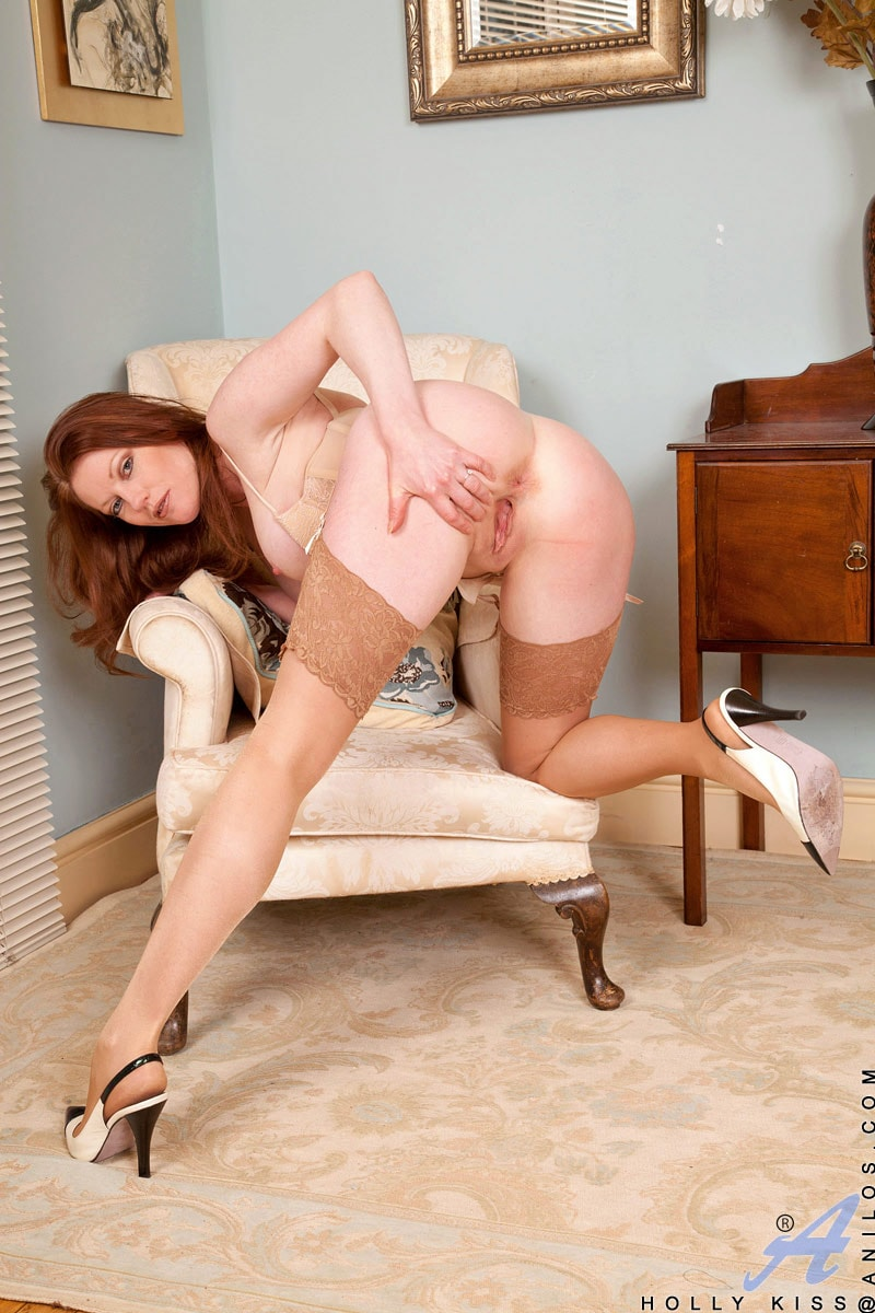 Anilos 'Chair Fingers' starring Holly Kiss (Photo 11)