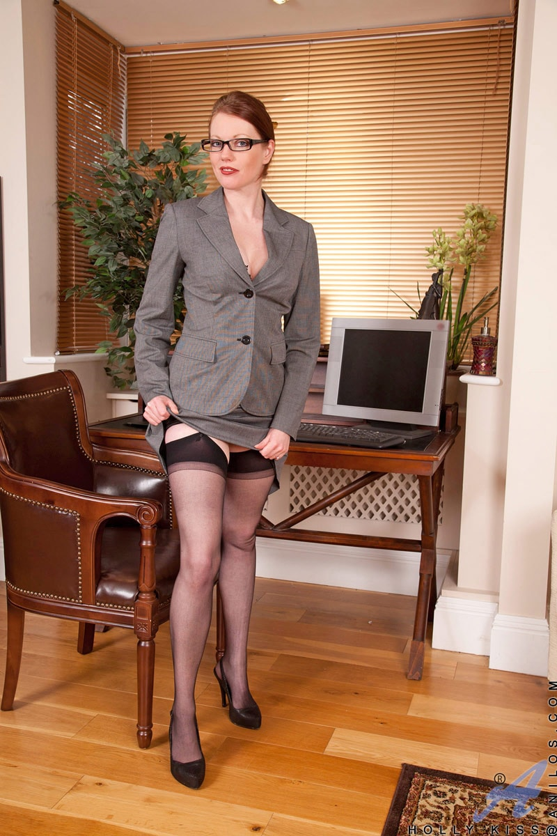 Anilos 'Office' starring Holly Kiss (Photo 2)