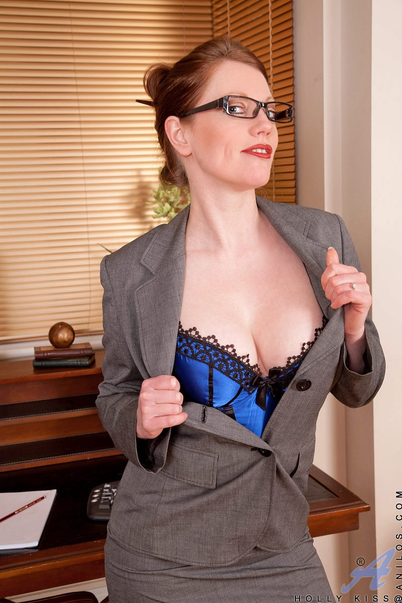 Anilos 'Office' starring Holly Kiss (Photo 3)