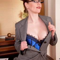 Holly Kiss in 'Anilos' Office (Thumbnail 3)