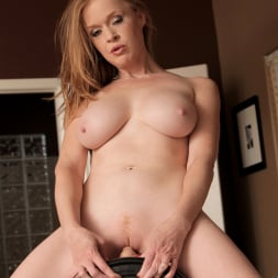 Indica Greenly in 'Anilos' Hold On And Enjoy (Thumbnail 13)