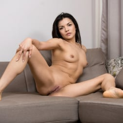Isha in 'Anilos' Real Orgasm (Thumbnail 8)
