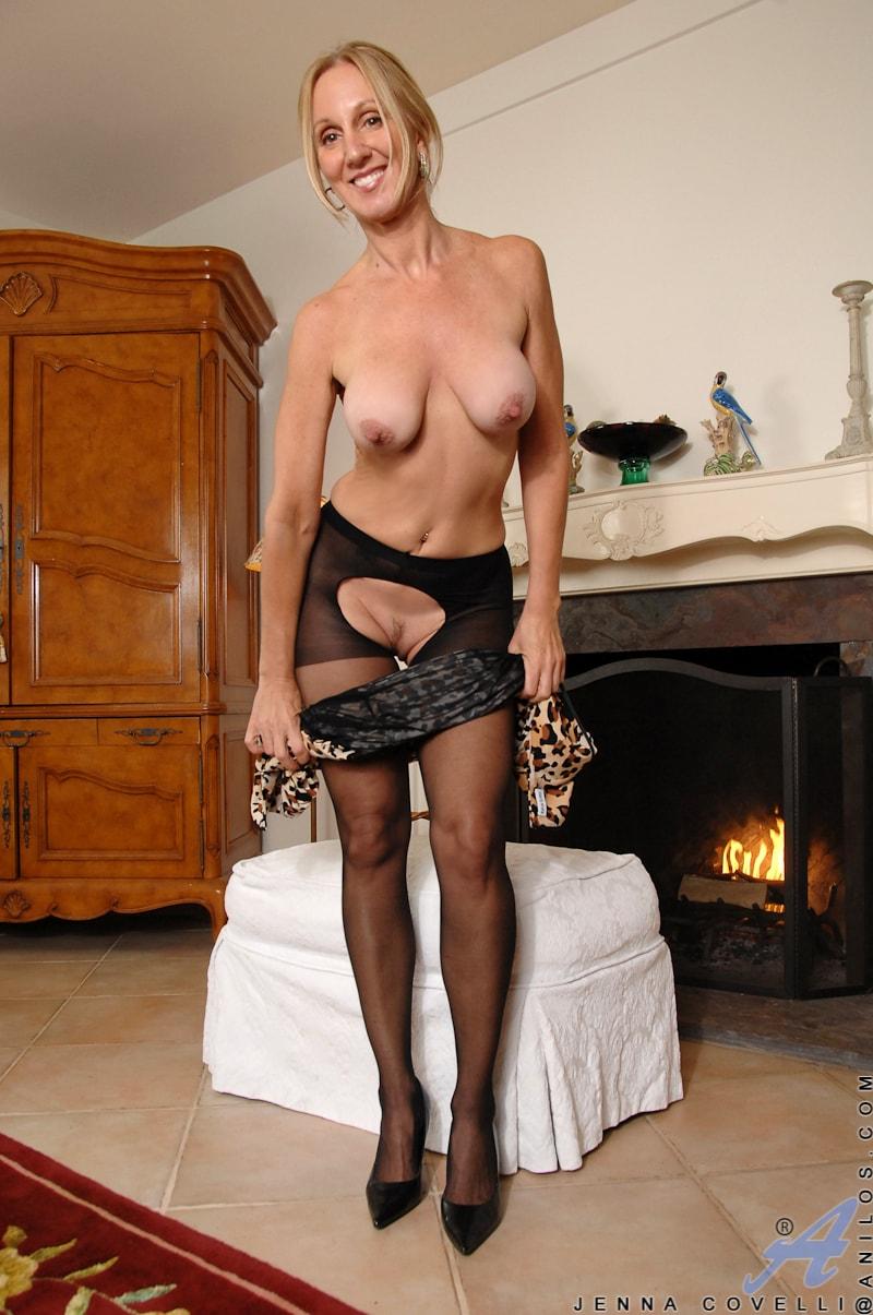 Anilos 'Big Tits And Nipples' starring Jenna Covelli (Photo 10)