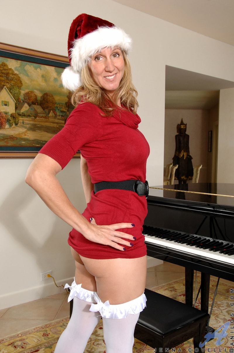 Anilos 'Her Present To You' starring Jenna Covelli (Photo 2)