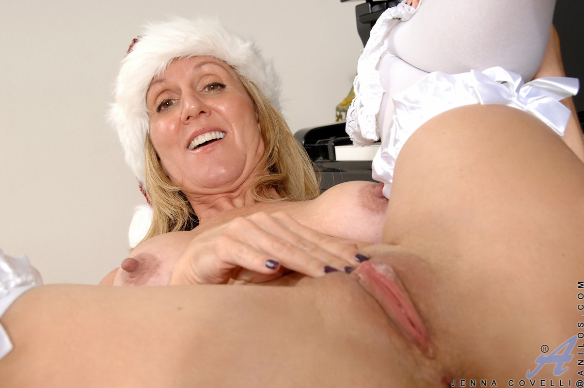 Anilos 'Her Present To You' starring Jenna Covelli (Photo 15)