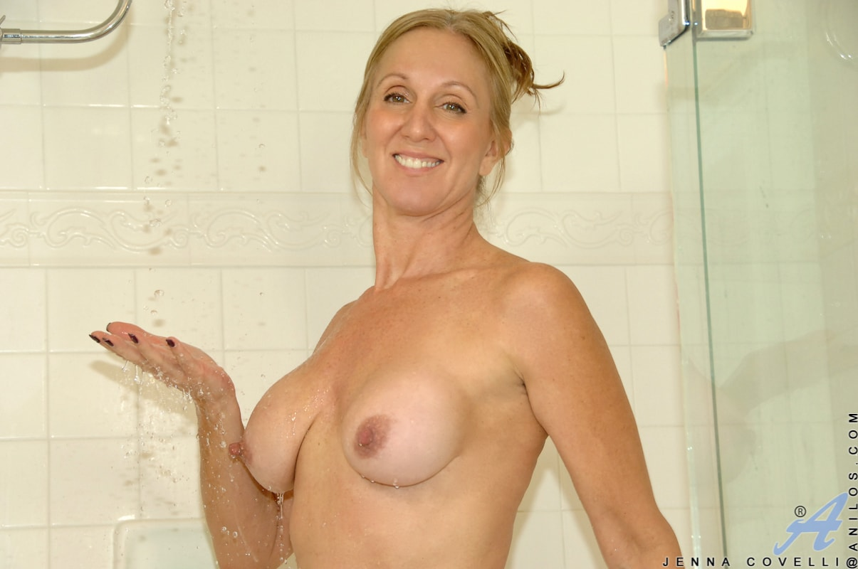 Anilos 'Toys In Her Shower' starring Jenna Covelli (Photo 7)