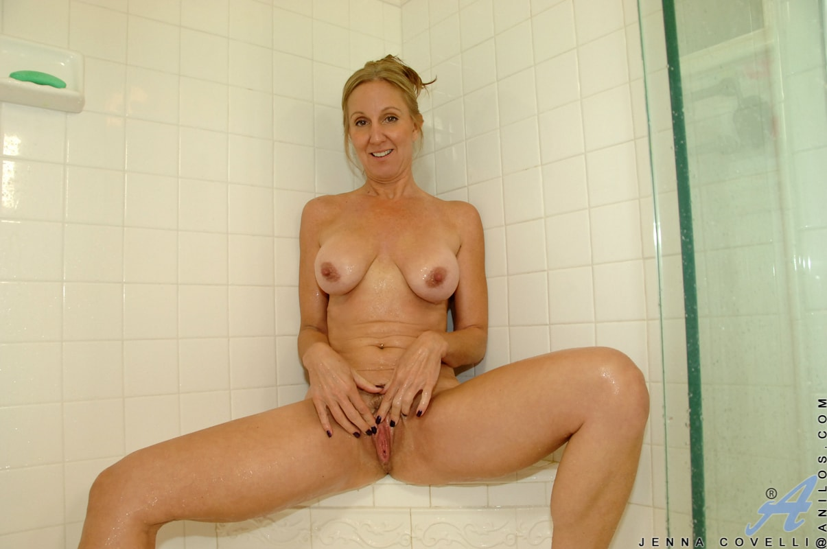 Anilos 'Toys In Her Shower' starring Jenna Covelli (Photo 10)