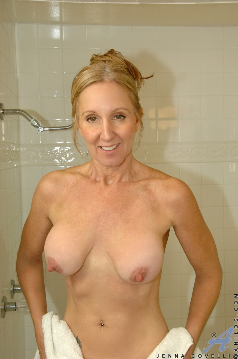 Anilos 'Toys In Her Shower' starring Jenna Covelli (Photo 15)