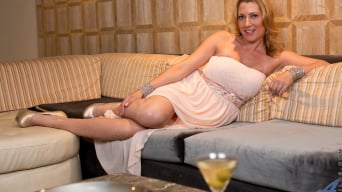 Jennifer Best in 'Classy And Playful'