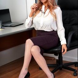 Jennifer Faucet in 'Anilos' The Substitute Teacher (Thumbnail 1)