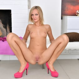 Jenny Smart in 'Anilos' Hot And Wet (Thumbnail 14)