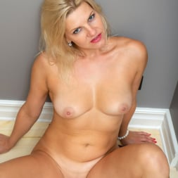 Jessica Best in 'Anilos' Indulgence (Thumbnail 15)