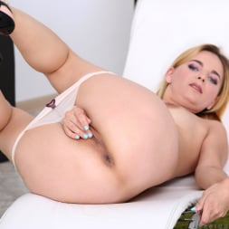 Jessica Spielberg in 'Anilos' Totally Exposed (Thumbnail 11)