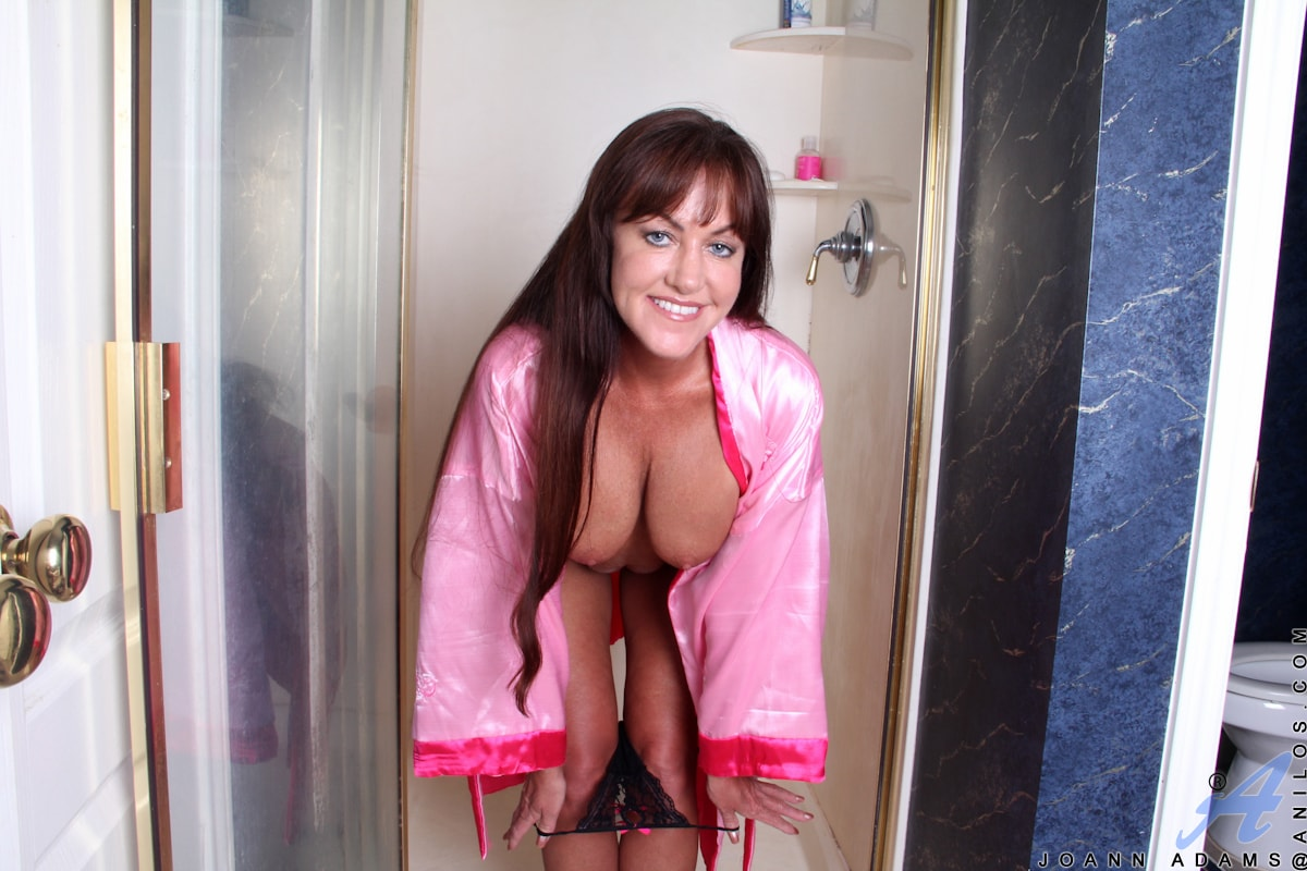 Anilos 'Shower Toys' starring Joann Adams (Photo 2)