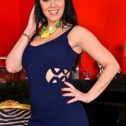 Julia Dranac in 'Anilos' Ready To Cum (Thumbnail 1)