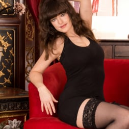 Kate Anne in 'Anilos' A Sexy Mature (Thumbnail 1)