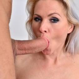 Kathy Anderson in 'Anilos' Hardcore (Thumbnail 15)