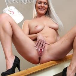 Kathy Anderson in 'Anilos' Hot Orgasm (Thumbnail 15)